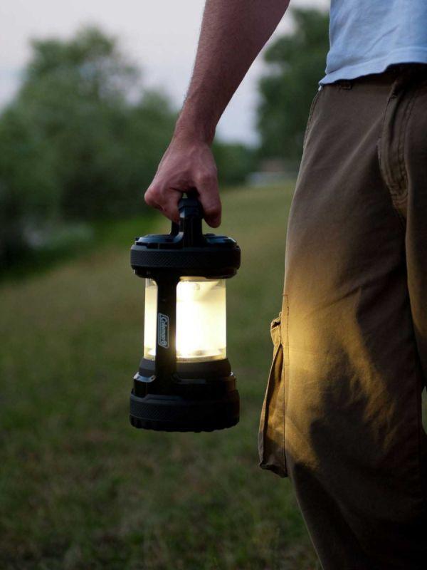 Extra wytrzymała lampa Coleman Twist+ 300 Li-Ion LED Black