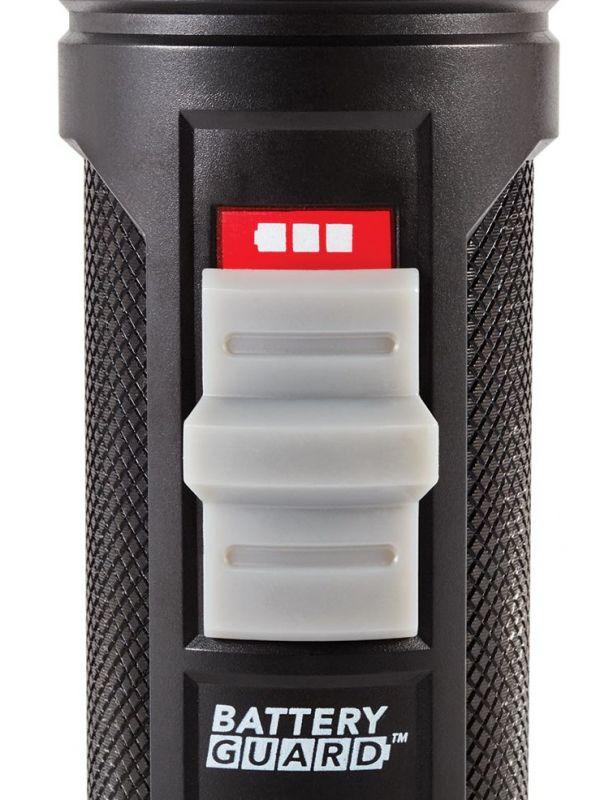 Mała i mocna aluminiowa latarka Coleman 325l BatteryGuard
