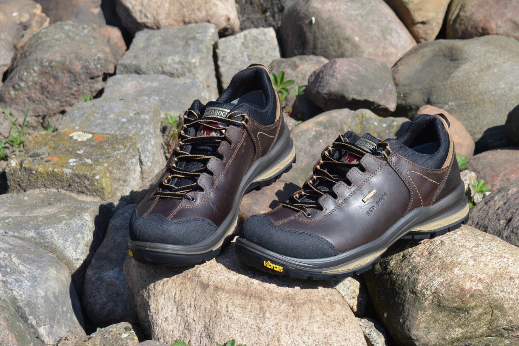 Półbuty Red Rock 12527, to niezwykle wygodne buty do codziennego użytku, które sprawdzą się zarówno w lesie, jak i na górskich, kamieniach ścieżkach.