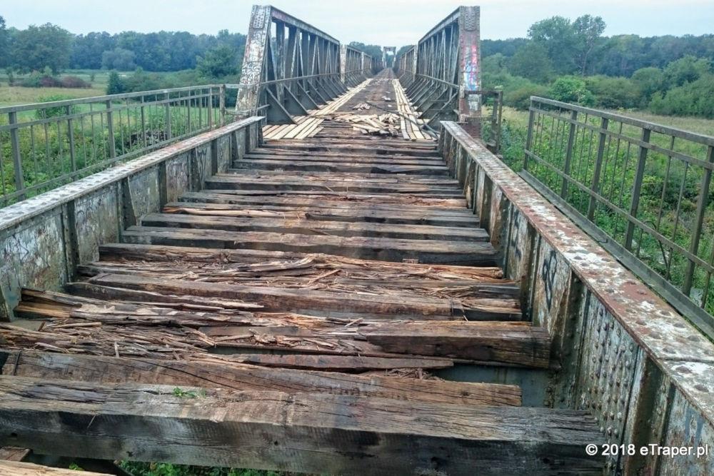 Kilka tygodni temu ruszyła przebudowa mostu kolejowego w Stanach k/Nowej Soli